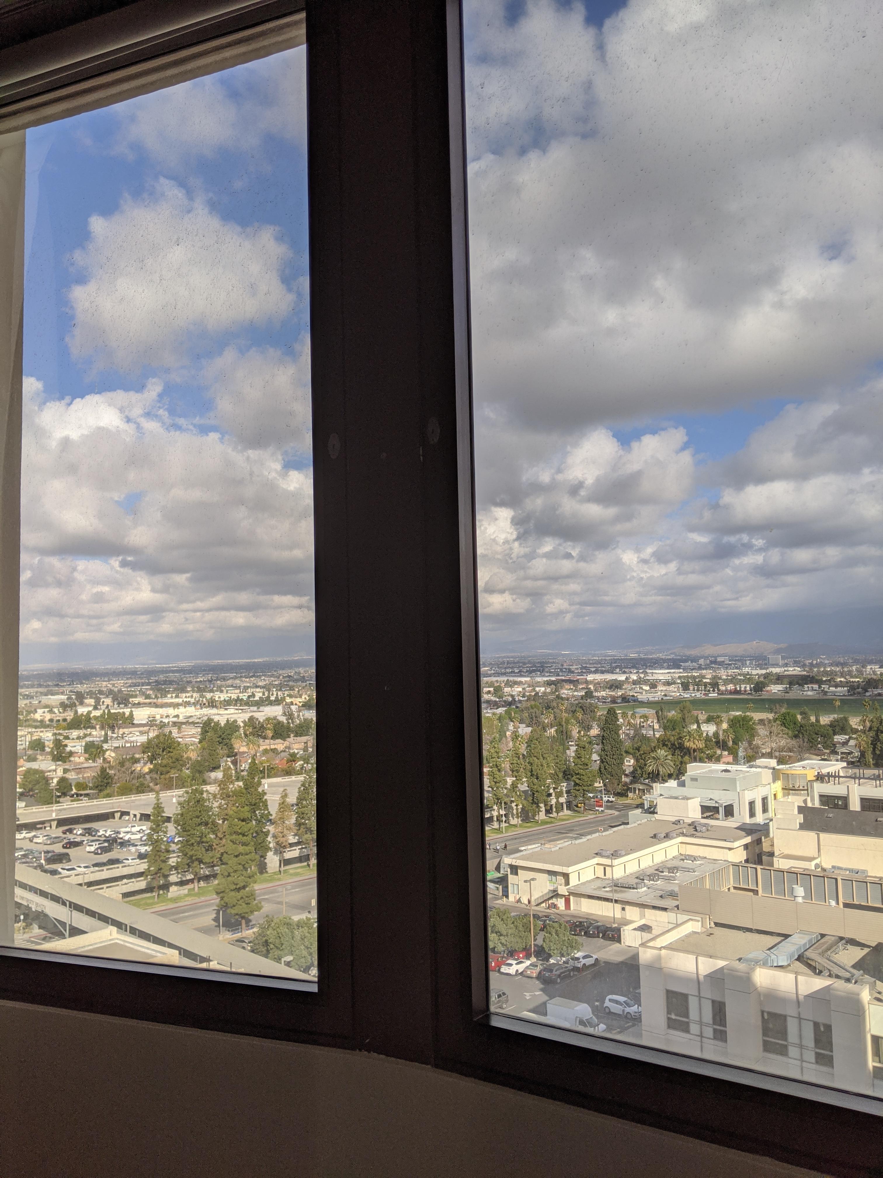 Blick aus dem Fenster eines Krankenhauses